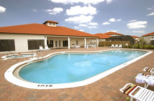 high-grove-resort-swimming-pool