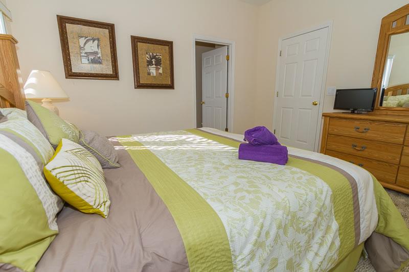 Master Bedroom 2 (2)