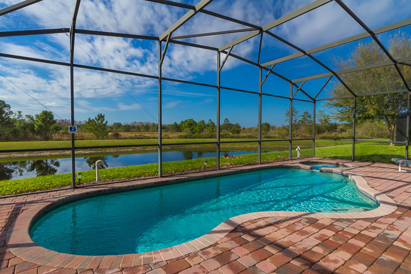 High Grove Villa Swimming Pool (2)